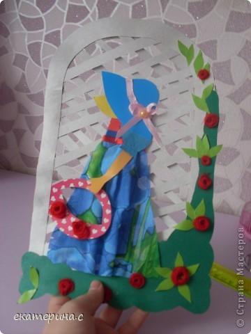 вот такая девочка из картона ткани тесьмы ниток и бумаги фото 4