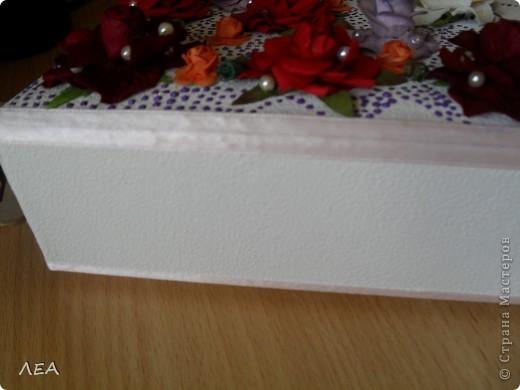 Доброго времени суток! Вот такую книгу пожеланий-альбом сделала для близкого друга на свадьбу бывшей жене (а то как-то не очень прилично было отпускать на свадьбу с пустыми руками:) ну да, люди, иногда, умеют расставаться мирно:) фото 5