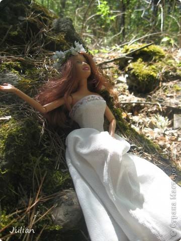 Захотелось сшить кукле легкое и воздушное платье, вот что получилось. фото 2