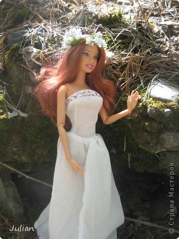 Захотелось сшить кукле легкое и воздушное платье, вот что получилось. фото 1