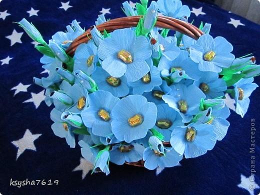 вот таких незабудок я делала на выпускной в школу для старшекласников. первоклашки дарили выпускникам, что бы незабывали школу. всем очень понравились мои цветочки. а вам????? фото 1