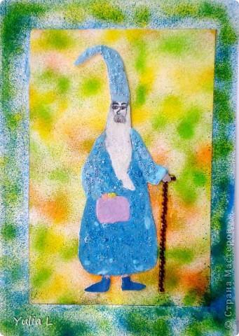 """Доброго времени суток!!! Сегодня я хочу показать работу Анюты для конкурса """"Любимые истории. Легенды о короле Артуре и рыцарях круглого стола"""", организованного Машей (Бригантина) http://stranamasterov.ru/node/372481, за что ей огромное спасибо!!! Работа выполнена по мотивам замечательного мультфильма """"Меч в камне"""" и посвящена Мерлину- доброму, чудаковатому и немного смешному волшебнику, который взял под свою опеку одиннадцатилетнего мальчика - будущего короля Артура. В мультфильме Мерлин не такой серьезный, а здесь, видимо, собирается с мыслями, как же лучше организовать воспитательный процесс юного сорванца?! фото 1"""