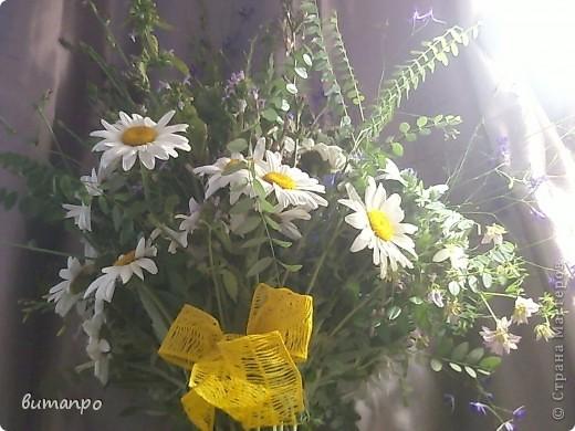 А это цветочки, мы собрали на поляне, тоже на день рождение бабушки... фото 3