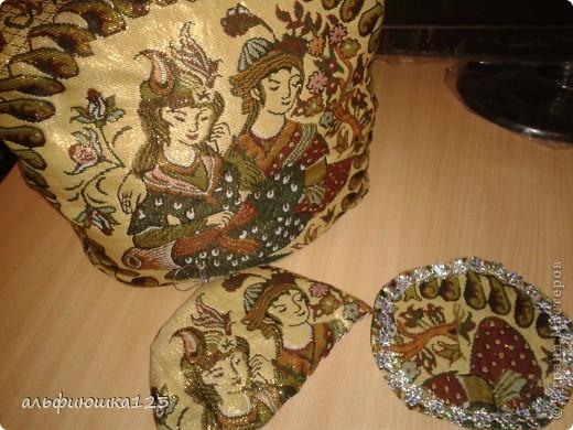 вот такие грелочки на чайник у меня получились в подарок любимым тетям. фото 2