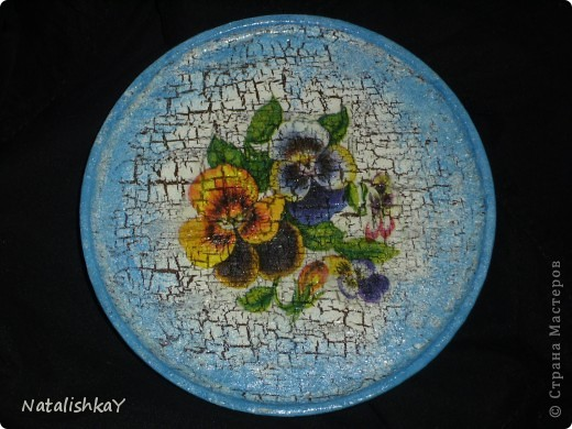 Фон -тёмно-синий, основной цет - белый, цветы с салфетки немного подрисованы синей акриловой краской. фото 4