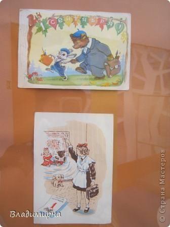 """В рамках фестивалю """"Белые ночи"""" ( о нём можно посмотреть здесь http://stranamasterov.ru/node/376932)  в нашем городе прошёл  и МедведDay. Мини-фестиваль, посвященный игрушечному медвежонку. В его рамках было очень много интересного : и шествие по гроду, и мастер-классы, и лечебница для плюшевых игрушек. Думаю, что такое внимание   к медведю объясняется не только популярностью данной игрушки, но и тем, что когда-то наш край считался медвежьим углом,  и на гкербе нашего города ещё  с позапрошлого века изображён медведь. Я расскажу лишь о самой маленькой  части  праздника, посвященного игрушечному косолапому - павильоне МедведDay на нашей эспланаде.  Лозунг """"Каждому медведю - отдельную берлогу"""" можно назвать девизом выставки. Медведей здесь несколько, но у каждого из них - своя берлога.  фото 10"""