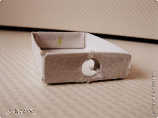 Делаем дырку в коробке по размеру карандаша. фото 1