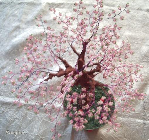 Дерево Сакура из бисера. фото 3