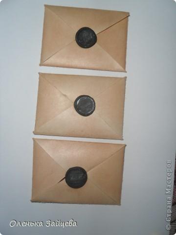 """Уже давно должна была закончится игра объявленная мной еще 20 апреля http://stranamasterov.ru/node/352835 но так сложилось, что 5 сейрий из 6-ти, по две карточки в каждой были потерянны на почте, после чего я снова повторила эти карточки, сделав по одной дополнительной, и отправила ту что оставалась мне. И письма опять не добрались адресатов....Я не хочу чтобы люди согасившиеся со мной поиграть думали обо мне плохо. Я не обманщица, я честно отправляла письма.... Сейчас делаю эти серии(но уже не повотряю то что сделала в первый раз, а делаю, новые серии, на эти же темы), уже готово все кроме """"старых писем"""", буду отправлять постепенно по 2 карточки, чтобы снова не потялось все... Это серия """"Четыре лапки"""" ,отправляя второй раз, я отпрвила нижнюю карточку, и одну из верхних повторила не помню которую. фото 6"""
