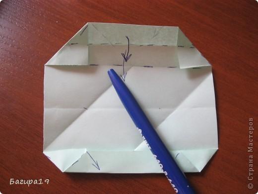 Наконец решила сделать мк по японской капусте. Кусудама простая и красивая, необычная. Нам понадобится: 6 квадратов одного размера, хорошее настроение и наши золотые ручки! Куська собирается без клея. Автор: Minako Ishibashi (Минако Ишибаши) фото 13