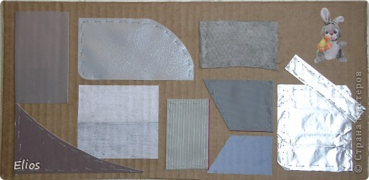 """Вот такую развавашку я сделала для одного малыша.  Использованы материалы: картон, бумага, цветной полиэтилен, пластик, шлейф, вырезанные картинки, нитки, спицы, крючок, резинки канцелярские, упаковка от кофе, губки для мытья посуды, тканевые салфетки крашеные акварелью, ткань и прочая разноцветность. Конечно, это скорее подходит к разделу """"Аппликация"""", чем к """"Вязанию"""", но саму идею я подсмотрела именно из навязанных разноцветных квадратиков, пришитых к картонным листам. Я же в своей работе хотела не только цвет малышу показать, но и оттенки этих цветов, а так же чтоб он пальчиками потрагал разную материальность: гладкую-шершавую, твёрдое-мягкое.  Ребёнку подарок очень понравился - сразу попытался оторвать резинки)) фото 9"""