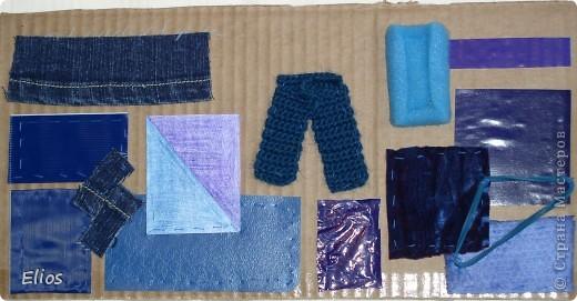 """Вот такую развавашку я сделала для одного малыша.  Использованы материалы: картон, бумага, цветной полиэтилен, пластик, шлейф, вырезанные картинки, нитки, спицы, крючок, резинки канцелярские, упаковка от кофе, губки для мытья посуды, тканевые салфетки крашеные акварелью, ткань и прочая разноцветность. Конечно, это скорее подходит к разделу """"Аппликация"""", чем к """"Вязанию"""", но саму идею я подсмотрела именно из навязанных разноцветных квадратиков, пришитых к картонным листам. Я же в своей работе хотела не только цвет малышу показать, но и оттенки этих цветов, а так же чтоб он пальчиками потрагал разную материальность: гладкую-шершавую, твёрдое-мягкое.  Ребёнку подарок очень понравился - сразу попытался оторвать резинки)) фото 6"""