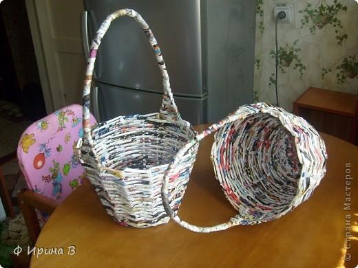 И снова, по просьбе детского садика,две корзинки.Начало плетения - донышко. фото 3