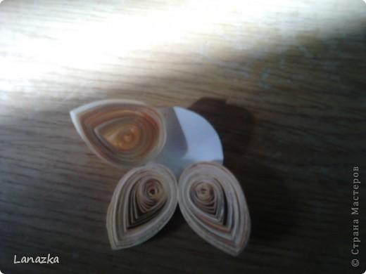 Бумагу для этой работы мы брали для принтера, разрезали её ножом канцелярским по 3 мм, единственная специально для квиллинга бумага это клюв и глаз фото 4