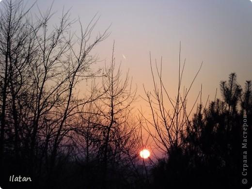Благодаря фотографии прекрасные моменты начинают жить вечно...  День добрый, всем всем, всем !!!! Добрый день мои хорошие!  Обожаю делать фото. Одной из тем, есть фото небесных просторов!!!!!  Постоянно присутствует вопрос.....а что же там.....высоко в небе???  Может фото поможет нам увидеть??? узнать???? понять....  Эти фотки сделаны мной в разных местах и в разное время суток  Ну что,,,поехали.....или полетели.....???!!! Приглашаю.....