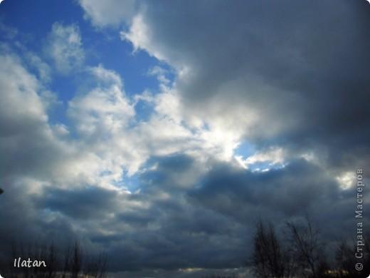 Благодаря фотографии прекрасные моменты начинают жить вечно...  День добрый, всем всем, всем !!!! Добрый день мои хорошие!  Обожаю делать фото. Одной из тем, есть фото небесных просторов!!!!!  Постоянно присутствует вопрос.....а что же там.....высоко в небе???  Может фото поможет нам увидеть??? узнать???? понять....  Эти фотки сделаны мной в разных местах и в разное время суток  Ну что,,,поехали.....или полетели.....???!!! Приглашаю..... фото 9