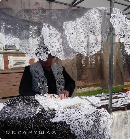 В эти выходные в Архангельске прошел - День города. На  центральной пешеходной улице Чумбарова-Лучинского  проходила ярмарка мастеров народного ремесла.  Наша экскурсия продолжается.  Здесь фотографий не много. фото 6