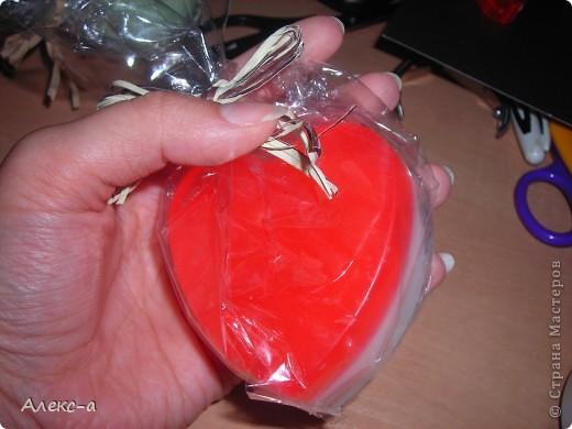 моё первое мылко из основы)сделано на мк по мыловарению) запах:кока-кола) фото 1