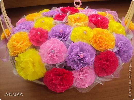 Корзинку купила готовую, цветы делала по МК http://stranamasterov.ru/node/90083?tid=451, цветы вставляла в оазис. фото 2