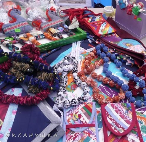 В эти выходные в Архангельске прошел - День города. На  центральной пешеходной улице Чумбарова-Лучинского  проходила ярмарка мастеров народного ремесла.  Наша экскурсия продолжается.  Здесь фотографий не много. фото 13