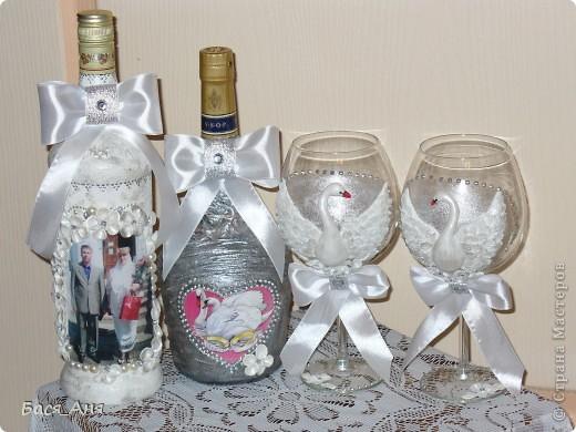 Ещё один заказик. Заказали набор на серебряную свадьбу. Маленькая бутылочка с к... ом, для него, высокая с лик...ом, для неё. Обе бутылочки по 1литру.(тяжелые) фото 5