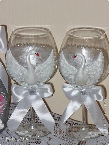 Ещё один заказик. Заказали набор на серебряную свадьбу. Маленькая бутылочка с к... ом, для него, высокая с лик...ом, для неё. Обе бутылочки по 1литру.(тяжелые) фото 3