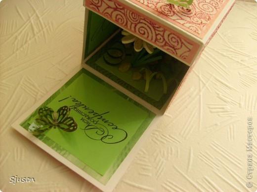 Давным-давно мечтала освоить изготовление магических коробочек и вот наконец-то сделала свою первую в подарок любимой сестренке :) Спасибо большое мастерицам СМ за вдохновение и идеи! Очень понравился и процесс, и результат! Особое спасибо Любови http://stranamasterov.ru/user/28190 и Марине Абрамовой http://marina-abramova.blogspot.com/ за подписи! МК можно посмотреть тут http://stranamasterov.ru/node/364822?c фото 2