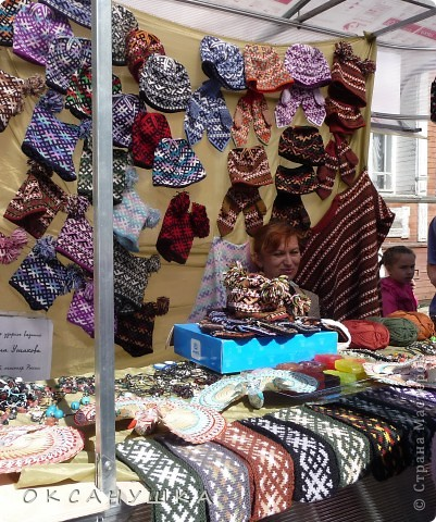 В эти выходные в Архангельске прошел - День города. На  центральной пешеходной улице Чумбарова-Лучинского  проходила ярмарка мастеров народного ремесла.  Наша экскурсия продолжается.  Здесь фотографий не много. фото 3