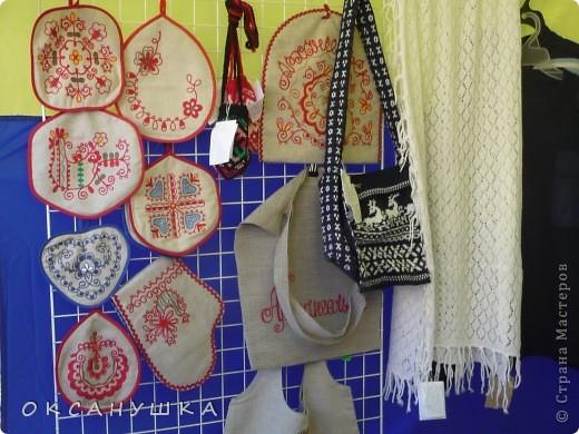 В эти выходные в Архангельске прошел - День города. На  центральной пешеходной улице Чумбарова-Лучинского  проходила ярмарка мастеров народного ремесла.  Наша экскурсия продолжается.  Здесь фотографий не много. фото 8
