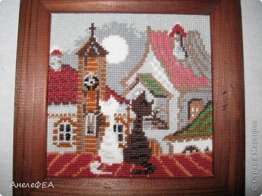 Вышивала крестом несколько лет назад в подарок, теперь смотрю - красиво))) фото 1