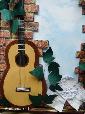 """Две картины на конкурс памяти Влвдимира Высоцкого, организованный Мишей и Юлей Дмитренко- Деспоташвили. Решила принять настойчивое приглашение Миши и Юли на участие в конкурсе.Сама я об этом и не думала. Не откладывая в долгий ящик, переделала свою """" Забытую гитару"""" , а вторая работа появилась сама собой. Первая работа на песню"""" Серебряные струны"""" : У меня гитара есть, расступитесь стены... фото 4"""