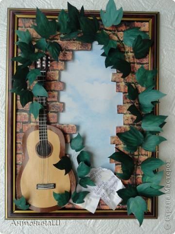 """Две картины на конкурс памяти Влвдимира Высоцкого, организованный Мишей и Юлей Дмитренко- Деспоташвили. Решила принять настойчивое приглашение Миши и Юли на участие в конкурсе.Сама я об этом и не думала. Не откладывая в долгий ящик, переделала свою """" Забытую гитару"""" , а вторая работа появилась сама собой. Первая работа на песню"""" Серебряные струны"""" : У меня гитара есть, расступитесь стены... фото 6"""