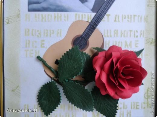 """Две картины на конкурс памяти Влвдимира Высоцкого, организованный Мишей и Юлей Дмитренко- Деспоташвили. Решила принять настойчивое приглашение Миши и Юли на участие в конкурсе.Сама я об этом и не думала. Не откладывая в долгий ящик, переделала свою """" Забытую гитару"""" , а вторая работа появилась сама собой. Первая работа на песню"""" Серебряные струны"""" : У меня гитара есть, расступитесь стены... фото 10"""
