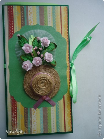 """Подруга назвала ее """"открытка для дачницы"""",почему-то ей так показалось из-за шляпки видимо ,ну значит так тому и быть ."""