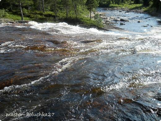 правда красота? угадайте где это Вы? а я знаю!в Норвегии! это маленький водопадик.но он не такой и уж и маленький!очень длинный.. фото 3