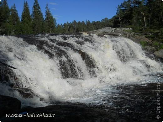 правда красота? угадайте где это Вы? а я знаю!в Норвегии! это маленький водопадик.но он не такой и уж и маленький!очень длинный.. фото 7