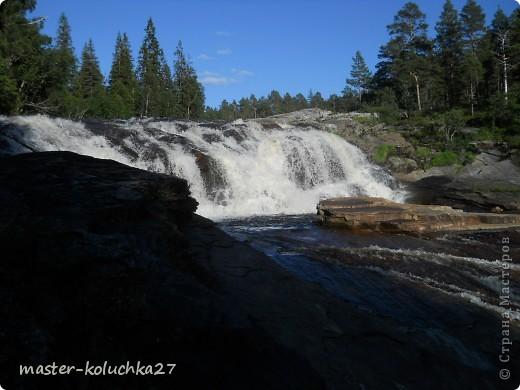 правда красота? угадайте где это Вы? а я знаю!в Норвегии! это маленький водопадик.но он не такой и уж и маленький!очень длинный.. фото 9