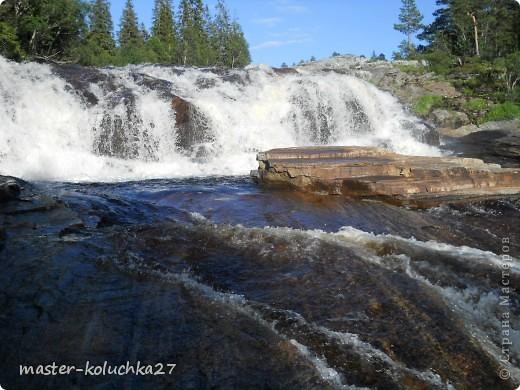 правда красота? угадайте где это Вы? а я знаю!в Норвегии! это маленький водопадик.но он не такой и уж и маленький!очень длинный.. фото 10