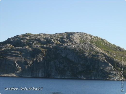 правда красота? угадайте где это Вы? а я знаю!в Норвегии! это маленький водопадик.но он не такой и уж и маленький!очень длинный.. фото 13
