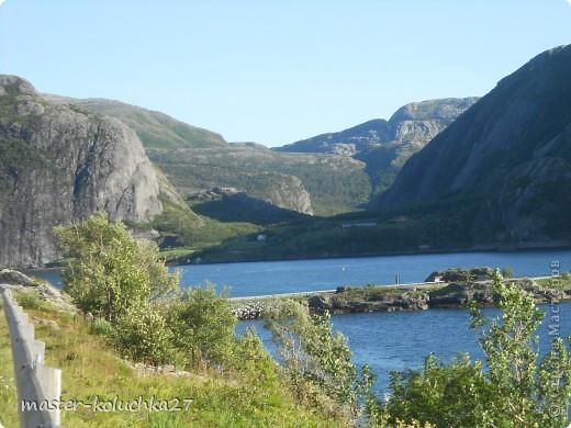 правда красота? угадайте где это Вы? а я знаю!в Норвегии! это маленький водопадик.но он не такой и уж и маленький!очень длинный.. фото 14