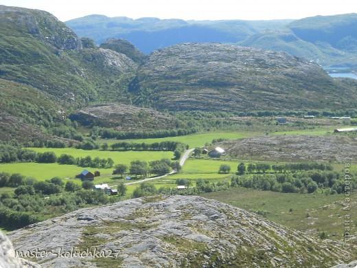 правда красота? угадайте где это Вы? а я знаю!в Норвегии! это маленький водопадик.но он не такой и уж и маленький!очень длинный.. фото 22