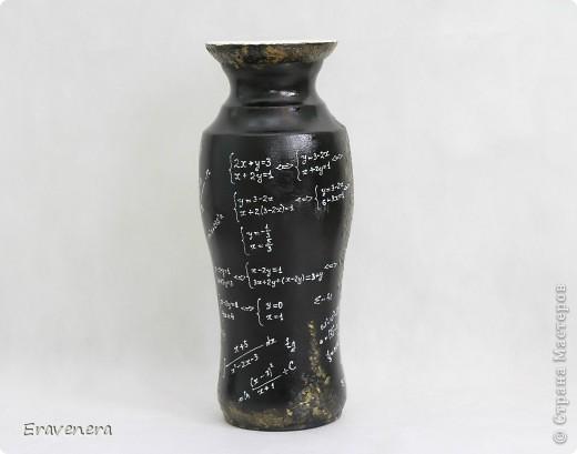 Добрый день жители СМ, давно не виделись) Вот заказали вазу в подарок учительнице по математике на выпускной. Материалы: распечатка истонченная, краски акриловые, лак глянцевый. фото 5