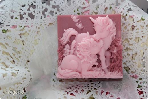 Мыло сварила из основы , добавила хлопковое масло  и аромат цветущей сакуры -)))  фото 7