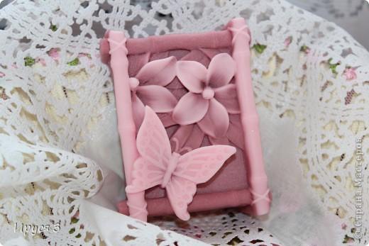 Мыло сварила из основы , добавила хлопковое масло  и аромат цветущей сакуры -)))  фото 1