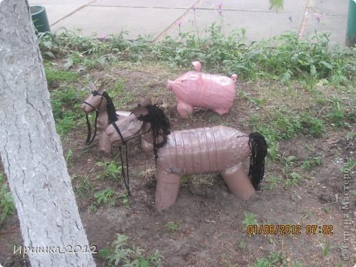 Лошадка из пластиковых бутылок своими руками фото