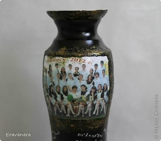 Добрый день жители СМ, давно не виделись) Вот заказали вазу в подарок учительнице по математике на выпускной. Материалы: распечатка истонченная, краски акриловые, лак глянцевый. фото 2