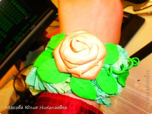Когда я первый раз случайно заглянула на этот сайт я была порожена какую красоту могут творить руки настоящих мастеров,меня очень привлекла лепка.Я решила сначало попробовать просто слепить что нибудь из массы для детского творчества,и вот что у меня получилось)) Этот цветок я лепила специально для свекрови. фото 6