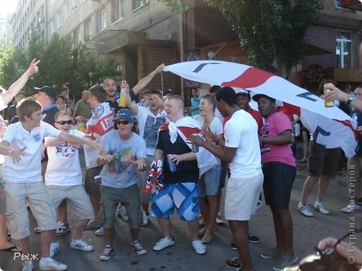 С них-то всё и началось.Билеты на первую игру в Донецке:Франция-Англия-1:1 фото 2