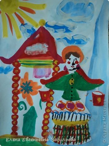 После ознакомления с народной игрушкой: матрешкой, дымковской, филимоновской дети расписывали красками, фломастерами, гелевыми ручками, цветными карандашами готовые силуэты. А потом мы решили приклеить их на натюрморты и пейзажи, которые рисовали ранее. Получились вот такие работы. фото 9