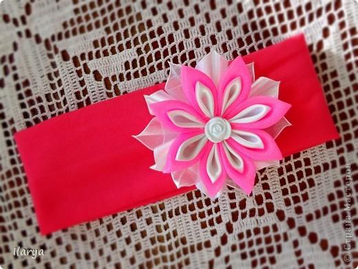 Самая простая, быстрая и красивая рукодельная вещь хоть для своей пока еще лысенькой принцессы, хоть в подарок- повязочки. Разного фасона , цвета, в разных техниках. Наша первая повязочка, связанная из ириса, на пол-годика: фото 11